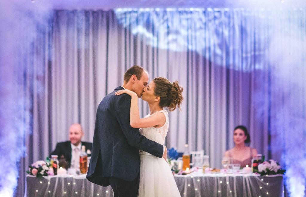 първи-сватбен-танц